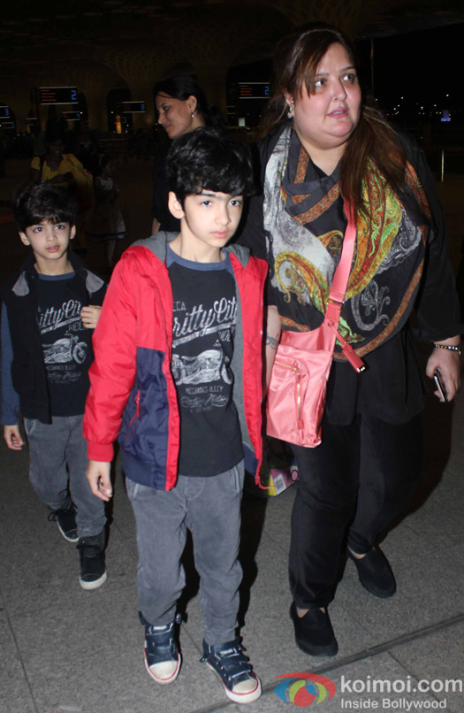 Hridaan, Hrehaan, and Sunaina Roshan snapped at Airport