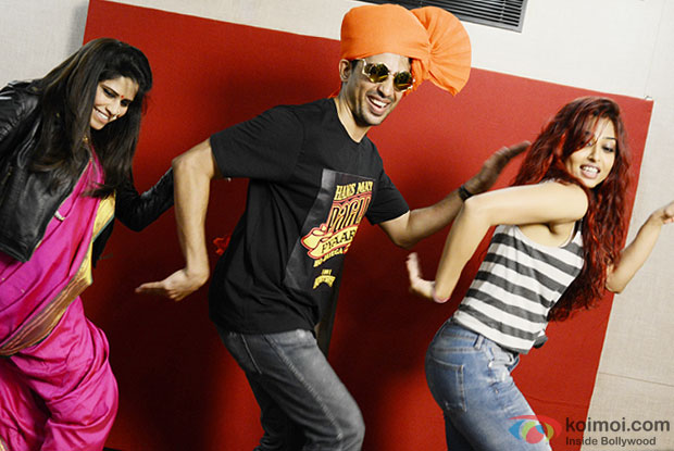 Sai Tamhankar, Gulshan Devaiah and Radhika Apte in a still from movie 'Hunterrr'