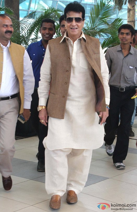Jeetendra Snapped At Domestic Airport