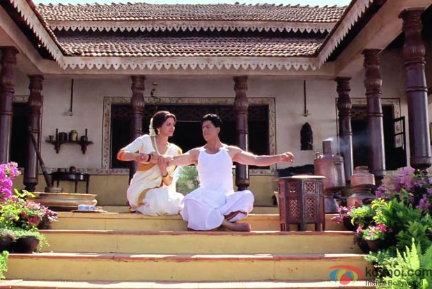 Deepika Padukone and Shah Rukh Khan in a still from movie 'Chennai Express'