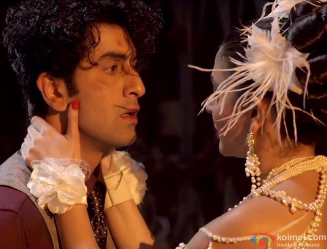 Ranbir Kapoor and Anushka Sharma in a 'Naak Pe Gussa' song still from movie 'Bombay Velvet'