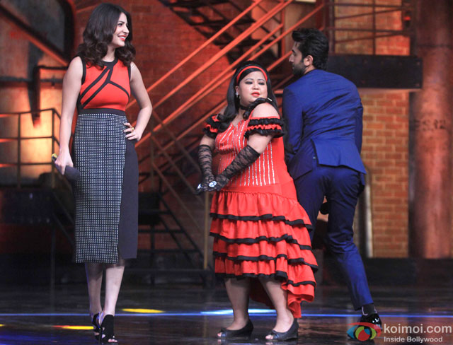 Anushka Sharma and Ranbir Kapoor during the promotion of movie 'Bombay Velvet' on the sets of 'India's Got Talent 2015'