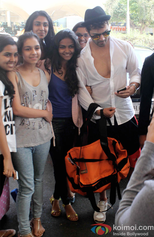 Varun Dhawan Snapped At Domestic Airport Mumbai