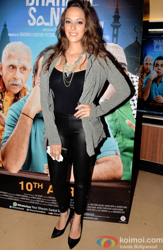 Hazel Keech at the special screening of Dharam Sankat Mein
