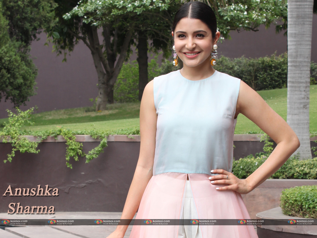 Anushka Sharma Wallpaper 9
