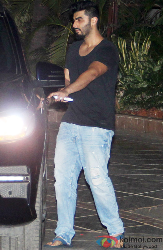 Arjun Kapoor spotted at Ranbir Kapoor's house