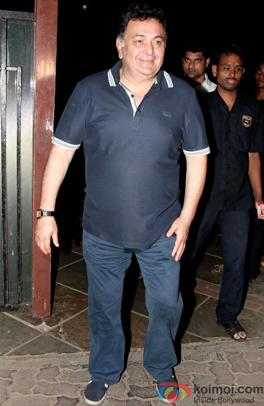 Rishi Kapoor spotted at Ranbir Kapoor's house