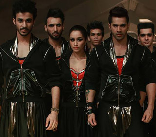 Shraddha Kapoor and Varun Dhawan in a 'Vande Mataram' song still from movie 'ABCD - Any Body Can Dance - 2'