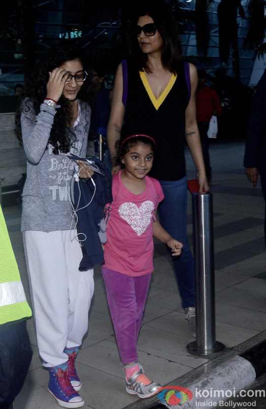 Renee Sen, Alisah Sen and Sushmita Sen Spotted At Airport