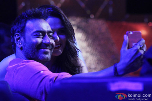 Ajay Devgn and Preity Zinta during the promotion of DRISHYAM on the sets of Nach Balliye