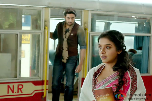 Abhishek Bachchan and Asin in a still from movie 'All Is Well'
