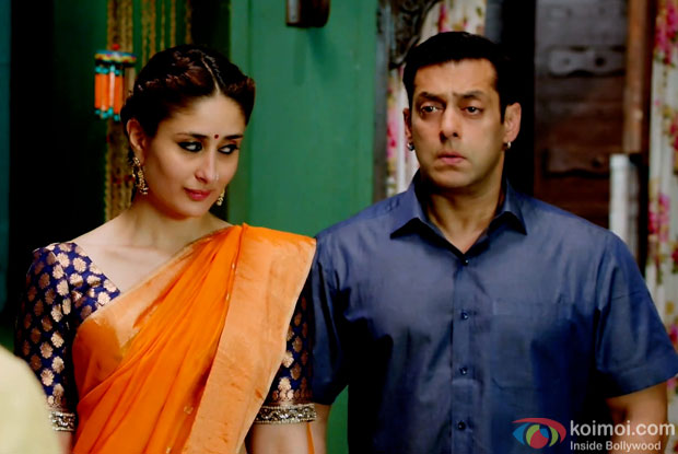 Kareena Kapoor Khan and Salman Khan in a still from movie 'Bajrangi Bhaijaan'