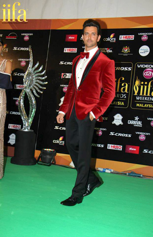 Hrithik Roshan at IIFA 2015 Green Carpet