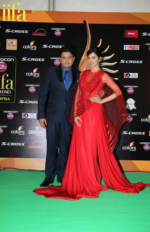 Divya Khosla Kumar at IIFA 2015 Green Carpet