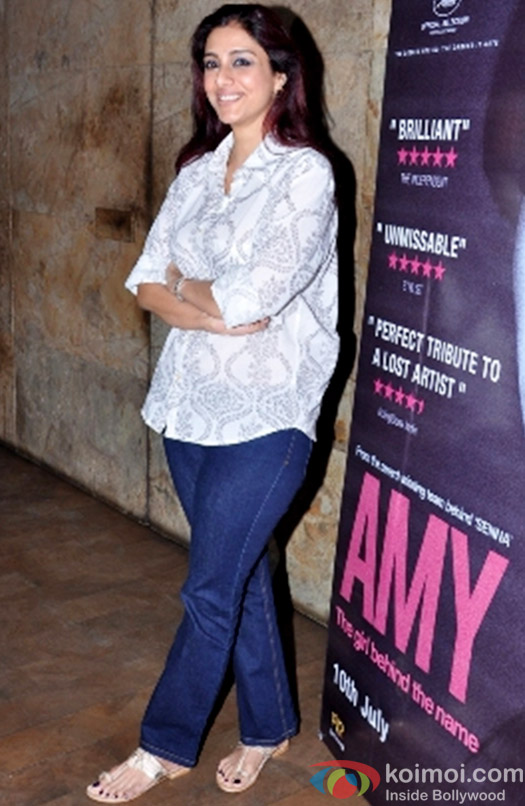 Tabu during the Amy premiere in India