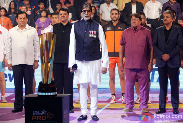 Devendra Fadnavis and Amitabh Bachchan during the opening ceremony of the Pro Kabaddi League 2015