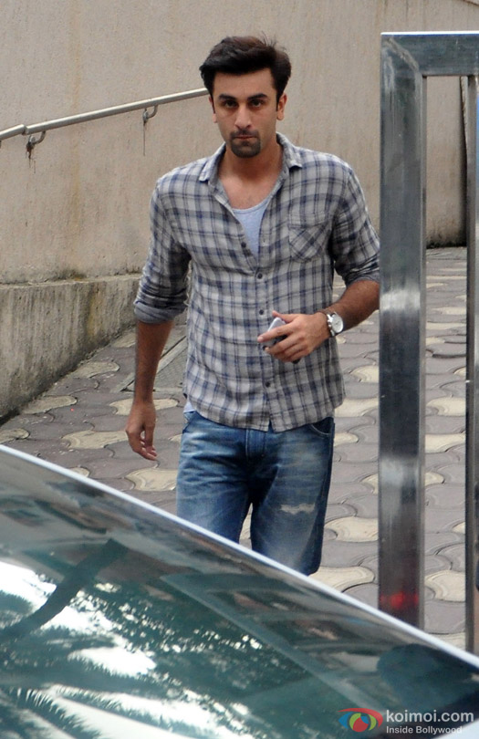 Ranbir Kapoor Snapped At Bandra