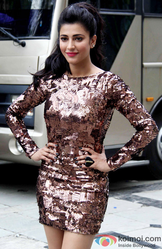 Shruti Hassan spotted shooting a song for movie 'Welcome Back