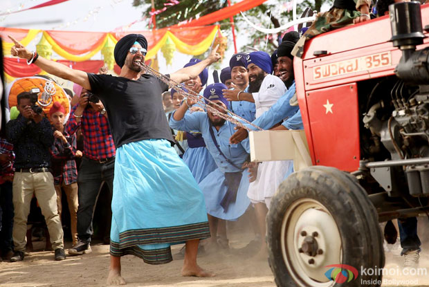 Akshay Kumar in a still from movie 'Singh Is Bliing'
