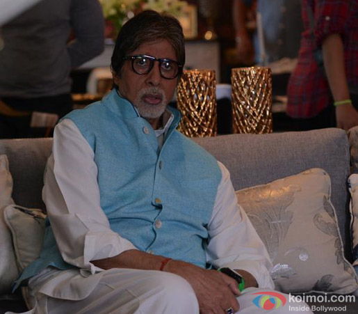 Amitabh Bachchan on the sets of movie 'Ki And Ka'