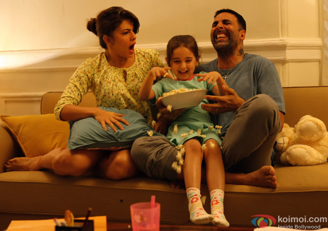 Jacqueline Fernandez and Akshay Kumar in a still from movie 'Brothers'
