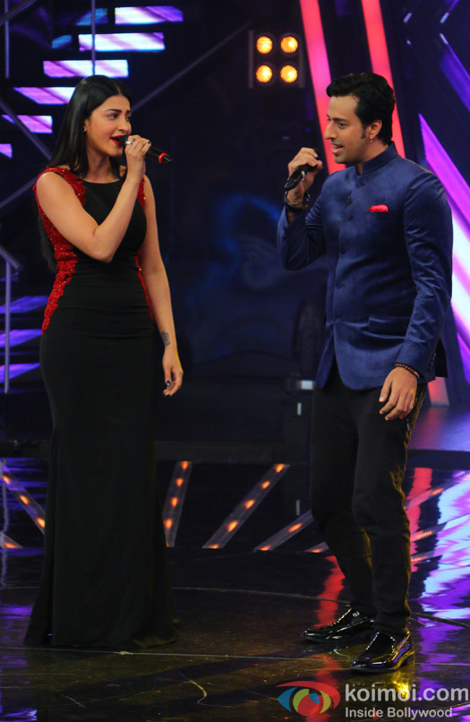 Shruti Hassan and Salim Merchant during the promotion of film Welcome Back on the sets of Indian Idol Junior