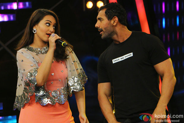 Sonakshi Sinha and John Abraham during the promotion of film Welcome Back on the sets of Indian Idol Junior