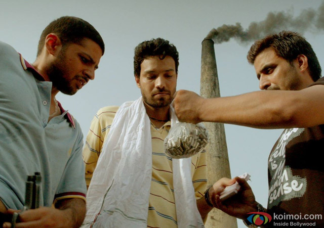 still from movie 'Meeruthiya Gangsters'