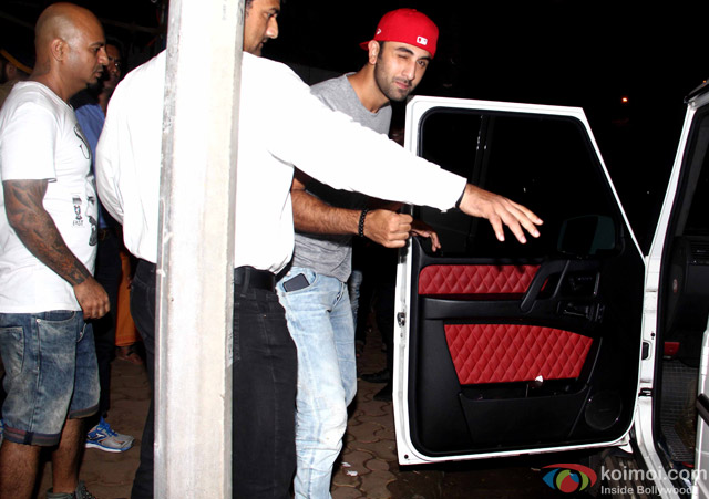 Ranbir Kapoor snapped at Hakim's Aalim Salon and Tattoo Lounge
