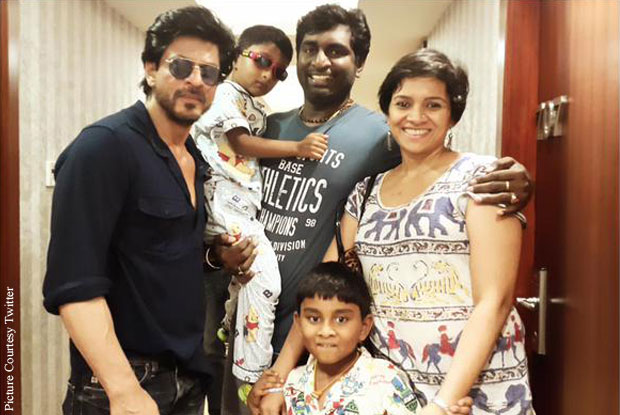 Shah Rukh Khan and K. K. Senthil Kumar on the sets of 'Dilwale'