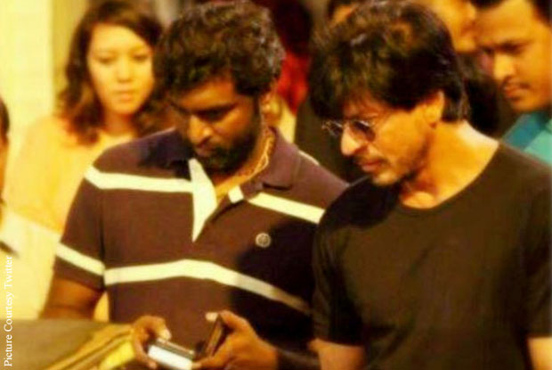 K. K. Senthil Kumar and Shah Rukh Khan on the sets of 'Dilwale'