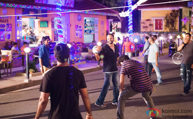 Rohit Shetty Playing Games on the sets of 'Dilwale'
