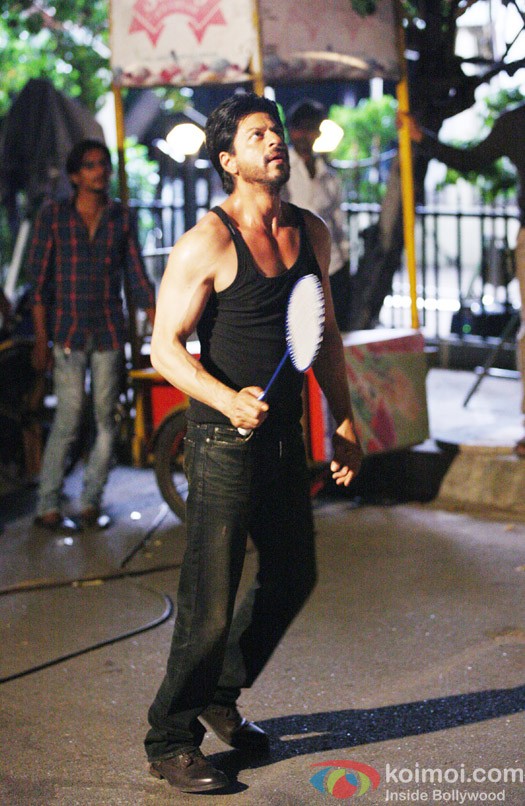 Shah Rukh Khan playing Badminton on the sets of 'Dilwale'