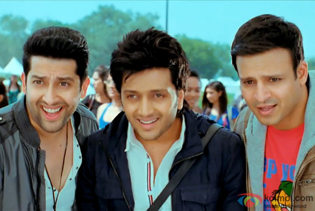 Aftab Shivdasani, Riteish Deshmukh and Vivek Oberoi in a still from 'Grand Masti'