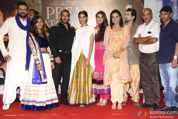 Armaan Kohli, Salman khan, Sonam Kapoor, Swara Bhaskar, Neil Nitin Mukesh and Sooraj Barjatya during the promotion of film Prem Ratan Dhan PayoArmaan Kohli, Salman khan, Sonam Kapoor, Swara Bhaskar, Neil Nitin Mukesh and Sooraj Barjatya during the promotion of film Prem Ratan Dhan Payo