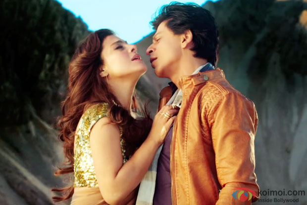 Kajol and Shah Rukh Khan in a 'Gerua' song still from 'Dilwale'