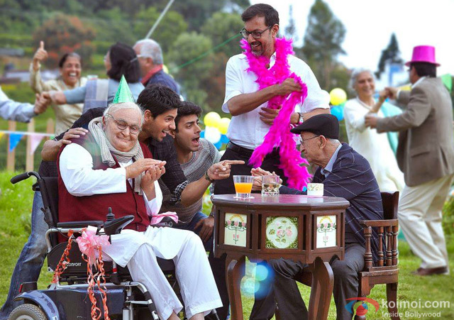 Rishi Kapoor, Sidharth Malhotra, Fawad Khan and Rajat Kapoor in 'Kapoor And Sons' Movie Stills