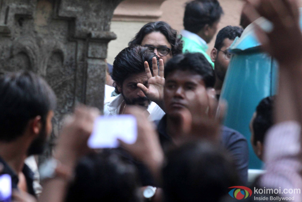 Shah Rukh Khan spotted during the shoot Raees