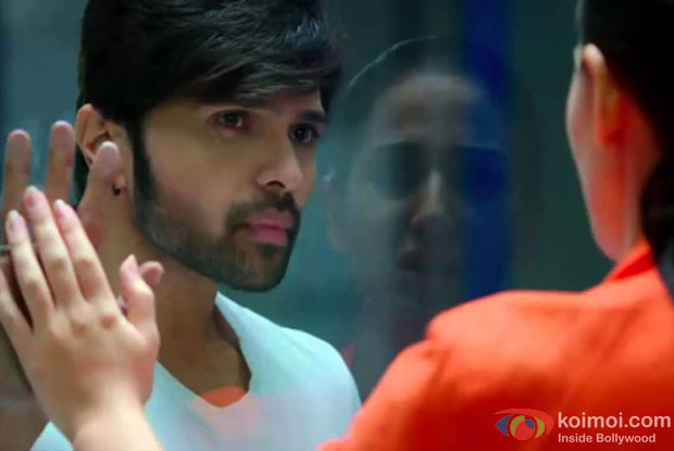 Himesh Reshammiya in a still from movie 'Teraa Surroor'