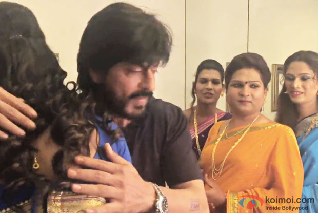 The6PackBand had the perfect Fan moment when they met Shah Rukh Khan