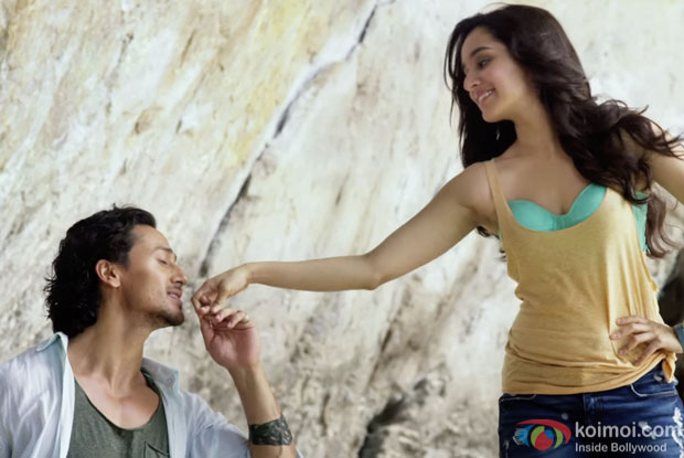 http://static.koimoi.com/wp-content/new-galleries/2016/03/witness-the-romantic-shades-of-sab-tera-from-baaghi-5.jpg