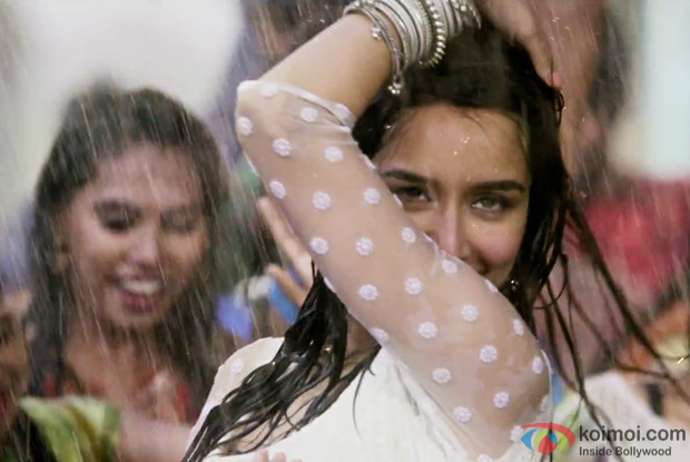 Shraddha Kapoor in a Cham Cham song still from Baaghi