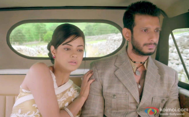 Meera Chopra and Sharman Joshi in a still from movie '1920 London'