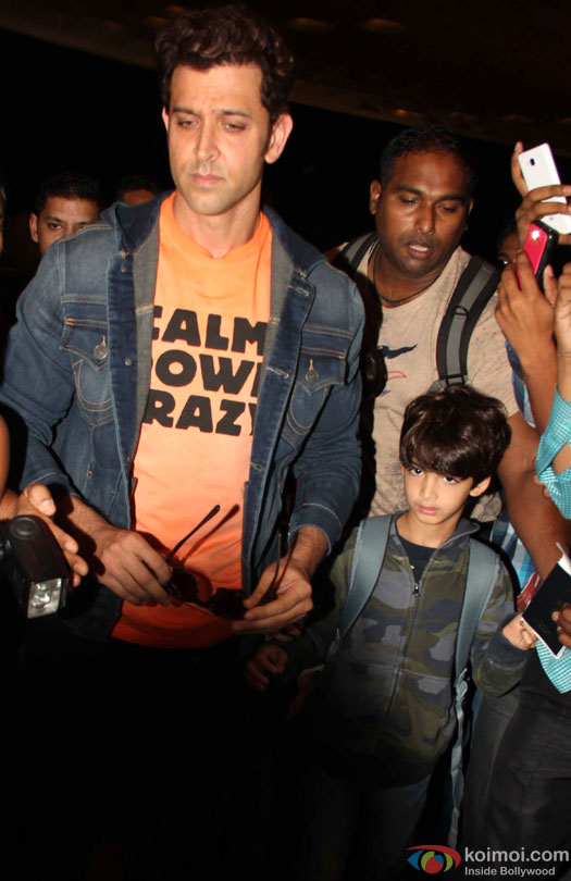 Hrithik Roshan with his son at airport leave for IIFA 2016