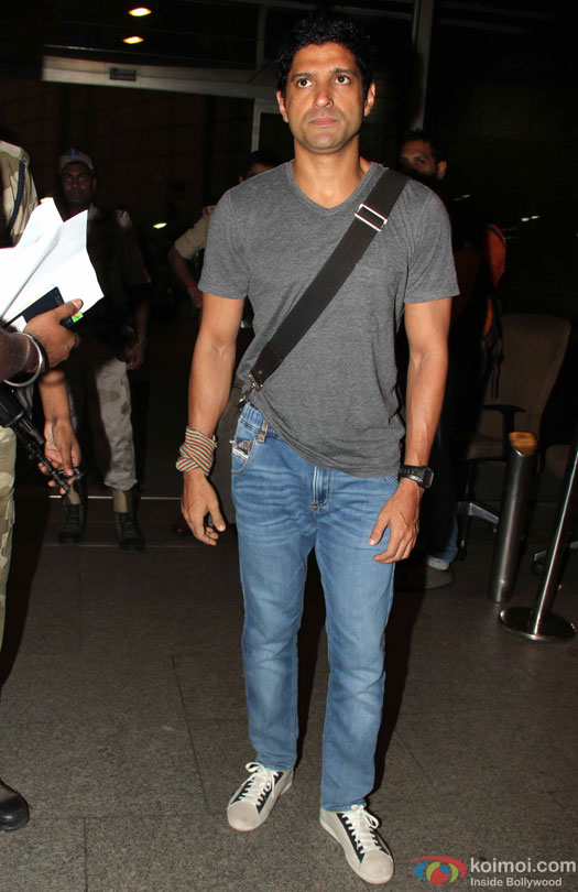Farhan Akhtar at airport leave for IIFA 2016