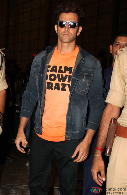 Hrithik Roshan at airport leave for IIFA 2016