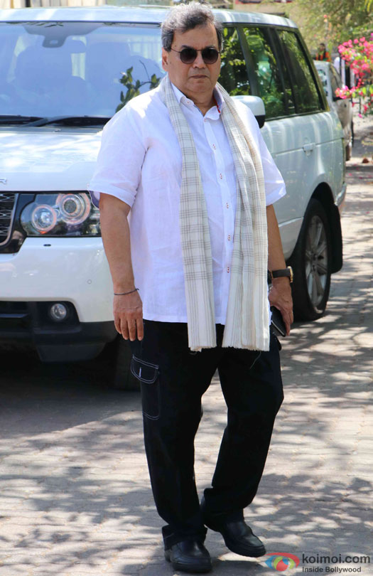 Subhash Ghai during the Funeral of Trade Analyst Vikas Mohan