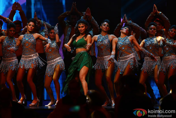 Mouni Roy at IIFA Rocks 2016
