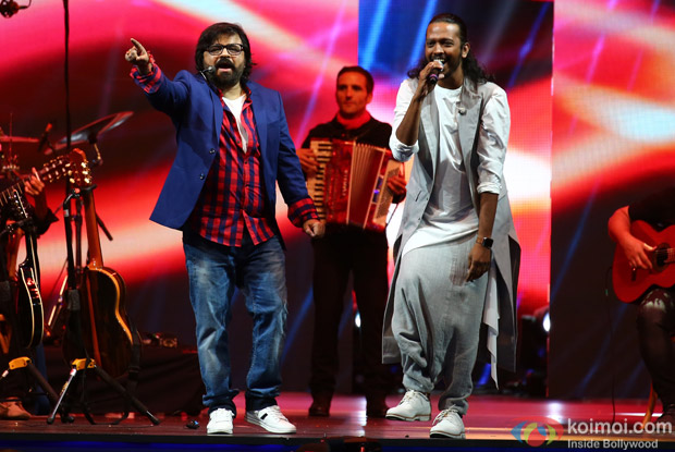 Pritam and Nakash Aziz at IIFA Rocks 2016