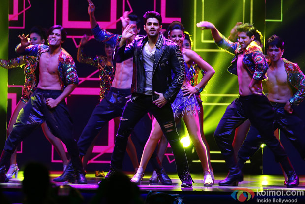 Sooraj Pancholi at IIFA Rocks 2016